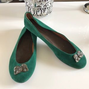 Pilcro the letterpress green suede leaf shoes 8.5